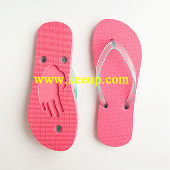 wholesale-flip-flops-with-die-cut-logo-on-the-sole-8333